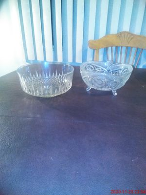 """Princess House Bowl, Floral Design with 3 Legs 8"""" w x 4-1/2"""" H - also 9"""" Glass Salad Bowl. for Sale in Pico Rivera, CA"""