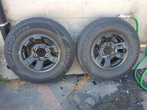 Two 15x7 6 lug aluminium rims. Toyota, Chevy, GMC, Nissan, and more for Sale in Montebello, CA