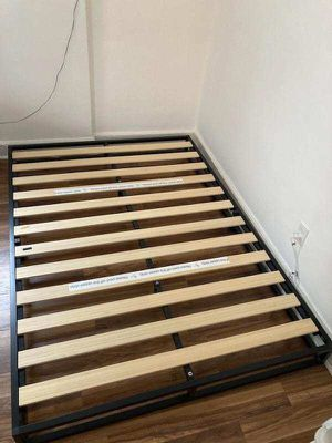 Zinus Metal Full Size Bed Frame 6 Inches for Sale in Queens, NY