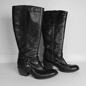Clark's Women's Black Plaza Pug Riding Boots Leather US 9 for Sale in Raleigh, NC