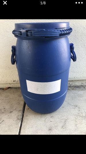 Storage container with lid for Sale in Stanton, CA
