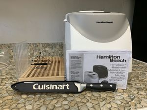 Hamilton Beach 2 lb, 12 cycle programmable bread maker with Mrs. Anderson's cutter and Cuisinart bread cutter. Instructions included. for Sale in Miami, FL