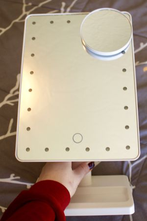 Light Up Makeup Mirror w mini 5x magnify mirror for Sale in La Habra, CA