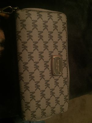 Michael Kors wallet for Sale in Indianapolis, IN