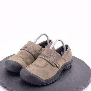 Keen women's shoes size 8 for Sale in Omaha, NE