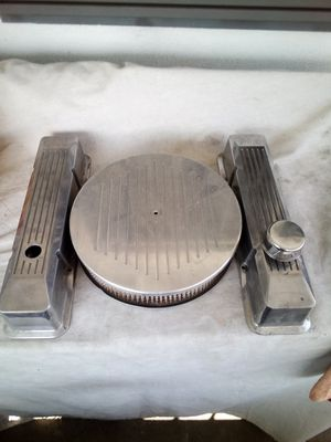 Custom s b c valve cover and air cleaner set for Sale in Westminster, CA