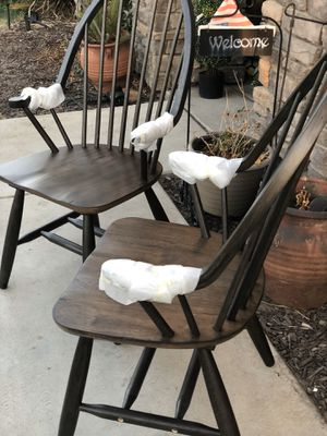 Brand new set of 2 farmhouse style chairs. Retails for over $380. for Sale in Fowler, CA