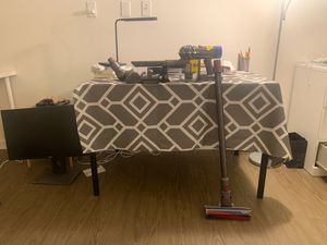 Dyson V8 absolute cordless vacuum for Sale in Irvine, CA