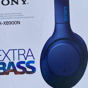 Sony WH-XB900N Wireless Noise Canceling Headphones - Blue for Sale in Hialeah, FL