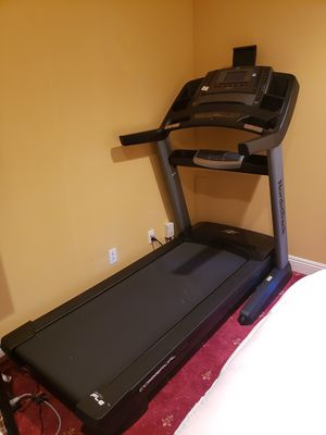 NordicTrack Commercial Treadmill 1750 (Brand New) for Sale in Los Angeles, CA
