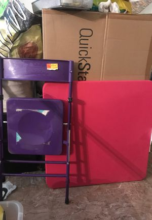 Little kids table and chair set for Sale in Fontana, CA