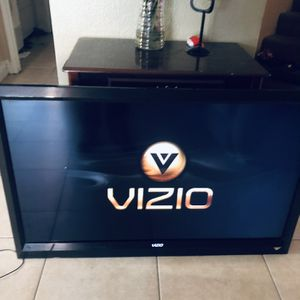 "47"" VIZIO Tv for Sale in Perris, CA"