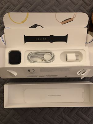 Apple Watch Series 4 44MM CELLULAR + GPS for Sale in Chicago, IL