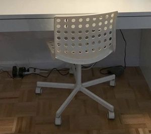 IKEA White Desk Chair with wheels. Great condition. Wheels come off for easy and convenient transport. Delivery included for Sale in The Bronx, NY