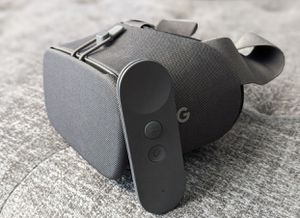 Google Daydream VR Headset for Sale in Bakersfield, CA