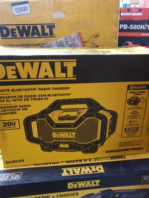 DEWALT 20V MAX CORDLESS BLUETOOTH RADIO CHARGER BRAND NEW for Sale in San Bernardino, CA