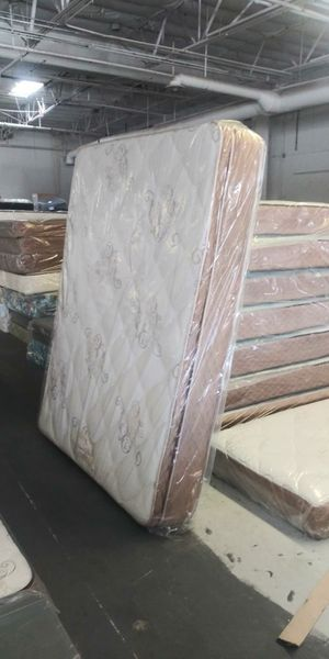 Pillow Top Mattresses and Box Springs (New) for Sale in Las Vegas, NV