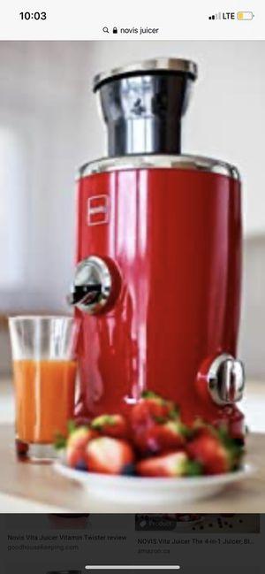 Novis Vita Juicer 4 in 1 juicer for Sale in Staten Island, NY