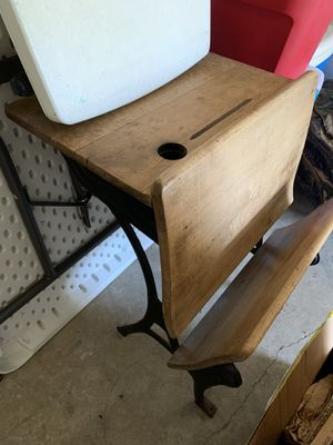 Antique Desk for Sale in Ellenwood, GA