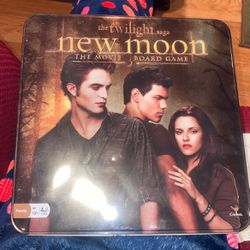 Twilight, New Moon Board Game in a Tin for Sale in Los Angeles,  CA