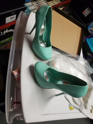 Size 7 Mint green heels for Sale in Brentwood, PA