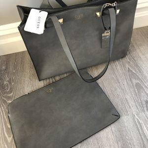 BRAND NEW GUESS BAG WITH LAPTOP SLEEVE for Sale in Levittown, NY
