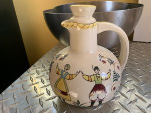 Vintage Pennsylvania Dutch carafe available for pick up for Sale in San Lorenzo, CA
