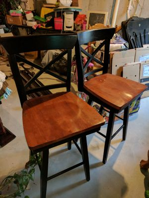 2 Bar Stools (That Swivel) for Sale in Montgomery, IL
