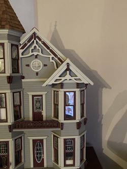 Antique Doll House for Sale in Brooklyn,  NY