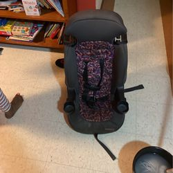 Car Seat for Sale in Boston,  MA