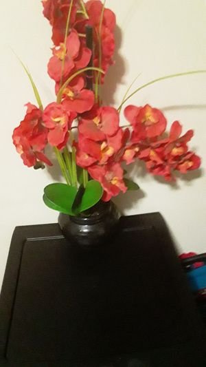 A BEAUTIFUL ORCHID FLOWER ARTIFICIAL FLOWERS for Sale in Chicago, IL