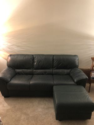 Green leather couch for Sale in El Cajon, CA