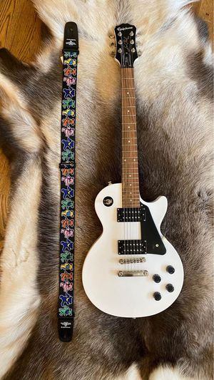 Epiphone Les Paul Studio Electric Guitar Alpine White - Like NEW for Sale in Brentwood, TN