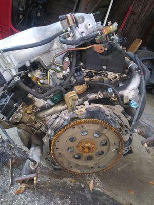 Motor infinity 2004 for parts crankshaft no good for Sale in Sanford, FL
