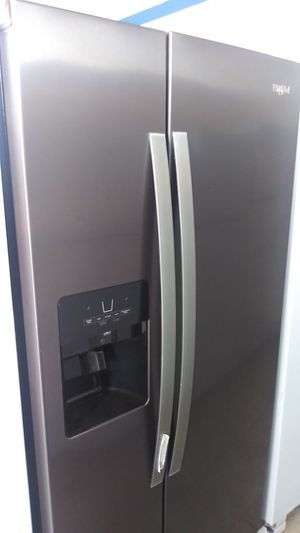 Whirpool refrigerator 6 months old for Sale in Oakland, CA