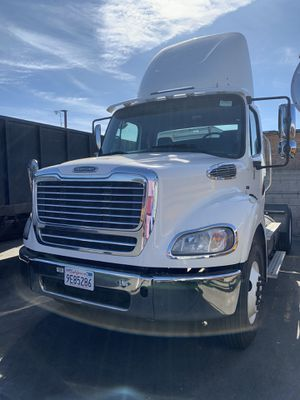013 daycab Tractor for Sale in Santa Ana, CA