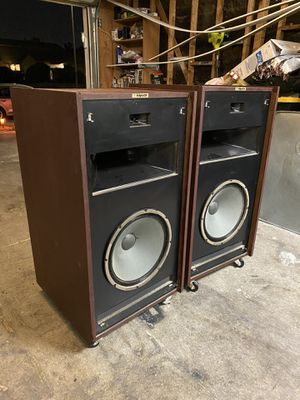 "EPIC Speaker Systems Klipsch Vintage Horn speakers 15"" Grills included **IF UP ITS STILL AVAILABLE** NO LOWBALLS for Sale in Las Vegas, NV"