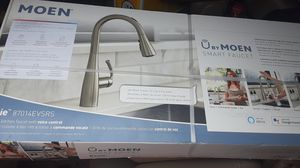 Kitchen moen smart faucet brand new for Sale in Houston, TX