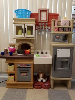 Step 2 Kitchen for kids for Sale in Rancho Cucamonga,  CA