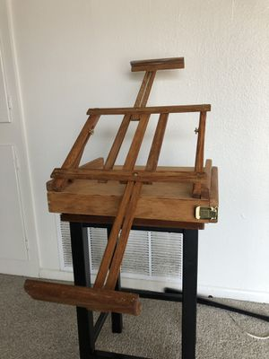 Aaron bros travel easel for Sale in San Antonio, TX