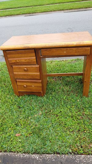 Free wooden desk in front of my home for Sale in Winter Park, FL