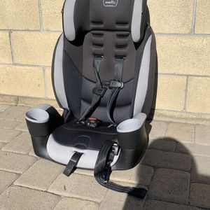Evenflo Maestro Sport Booster Seat for Sale in Downey, CA