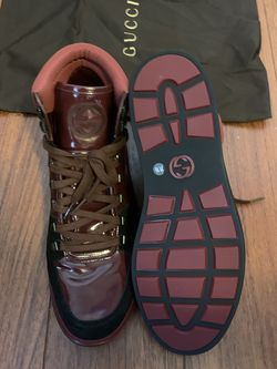 Gucci Shows Practically Brand New for Sale in Brandon,  FL