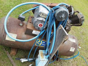 Napa industrial air compressor 240 volt start and stop are already wired just 240 single phase for Sale in Hazlehurst, GA