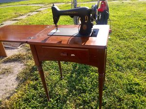 1952 Singer sewing machine for Sale in Mount Vernon, IN