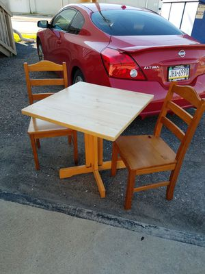 Nice Kitchen/Sunroom Breakfast Table for Sale in Canonsburg, PA