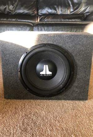 """JL Audio 10"""" Subwoofer and box for Sale in Hayward, CA"""