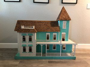 Beautiful Doll House For Sale for Sale in Cooper City, FL
