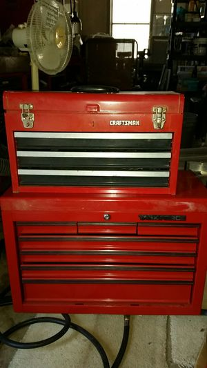 Craftsman mechanic b66y6pot the top box has soon tools and it cost $30. The larger box about has400mechanucs tools and weight abou400pounds for Sale in Nokesville, VA