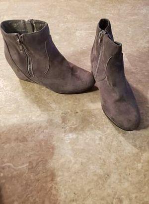 Grey winter boots for Sale in Phoenix, AZ